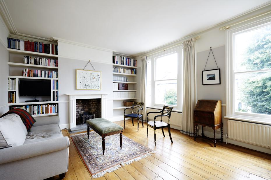 2 Bedrooms Maisonette Flat for sale in Findon Road, London W12