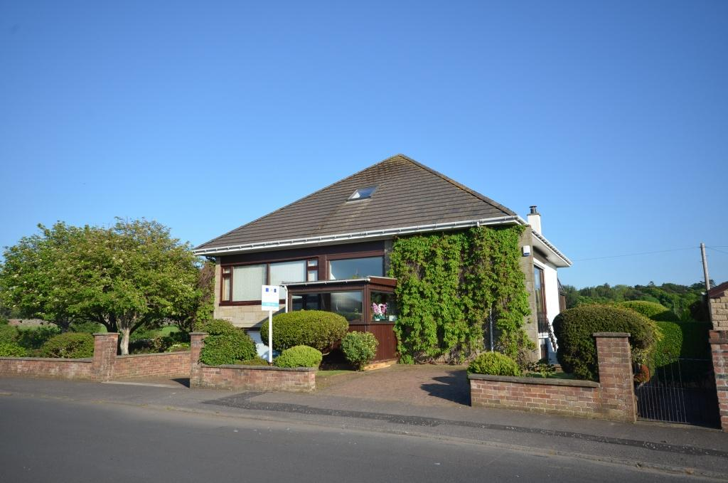 4 Bedrooms Detached Bungalow for sale in 49 Auchendoon Crescent, Ayr, KA7 4AT