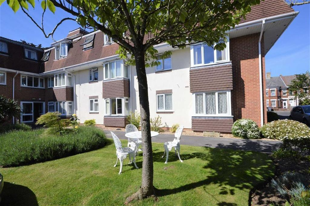 2 Bedrooms Flat for sale in Sandringham Court, Bournemouth, Dorset, BH8