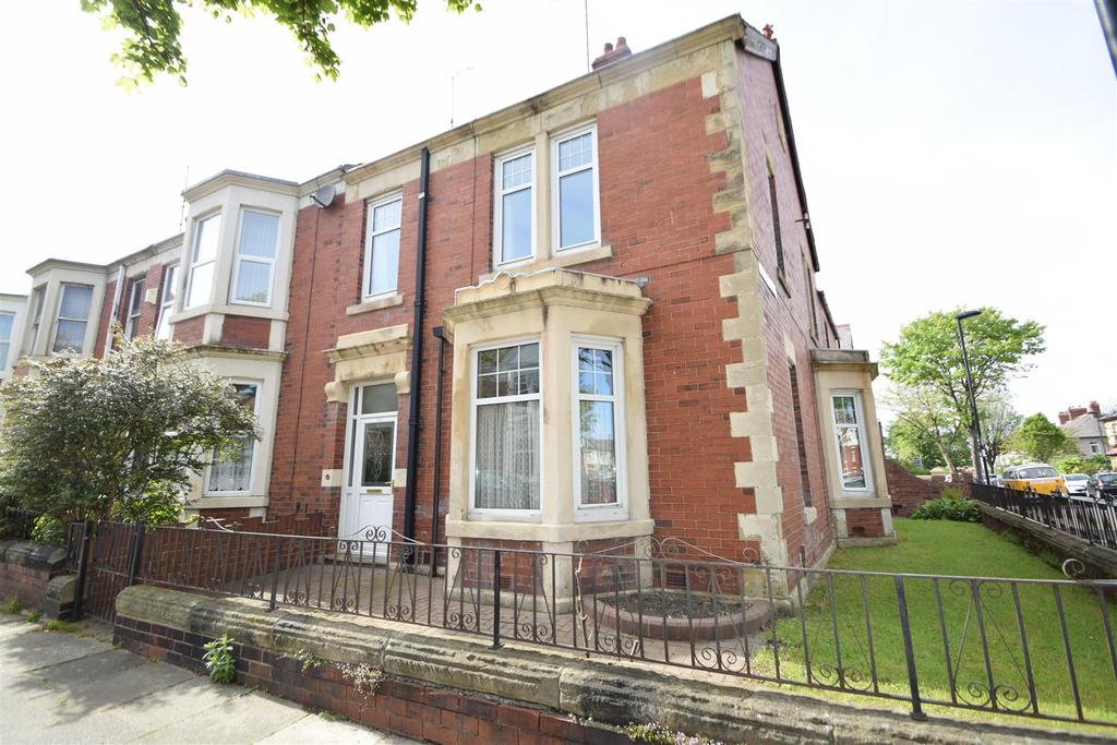 4 Bedrooms End Of Terrace House for sale in Eastbourne Gardens, Whitley Bay