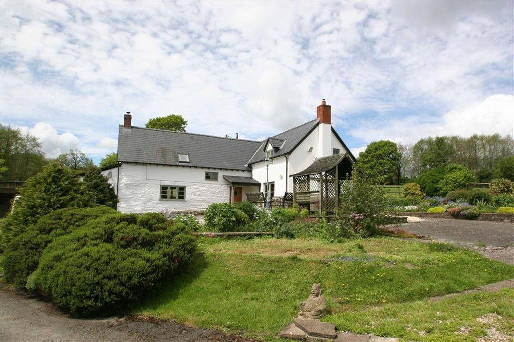 4 Bedrooms Farm House Character Property for sale in Rhos-y-Meirch, RHOS-Y-MEIRCH, Knighton, Powys