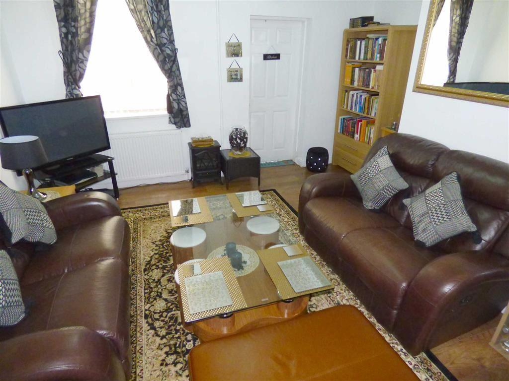 2 Bedrooms Terraced House for sale in Charlton Road, Levenshulme, Manchester, M19