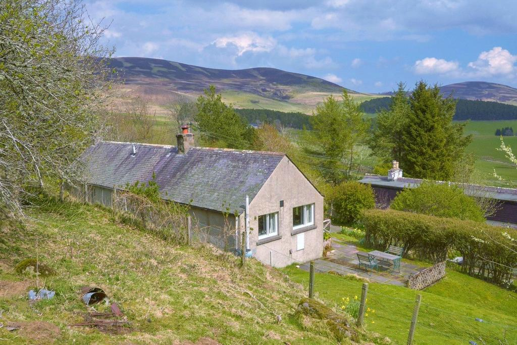 2 Bedrooms Detached House for sale in Woodside Cottage, Glenbuchat, Strathdon, Aberdeenshire, AB36