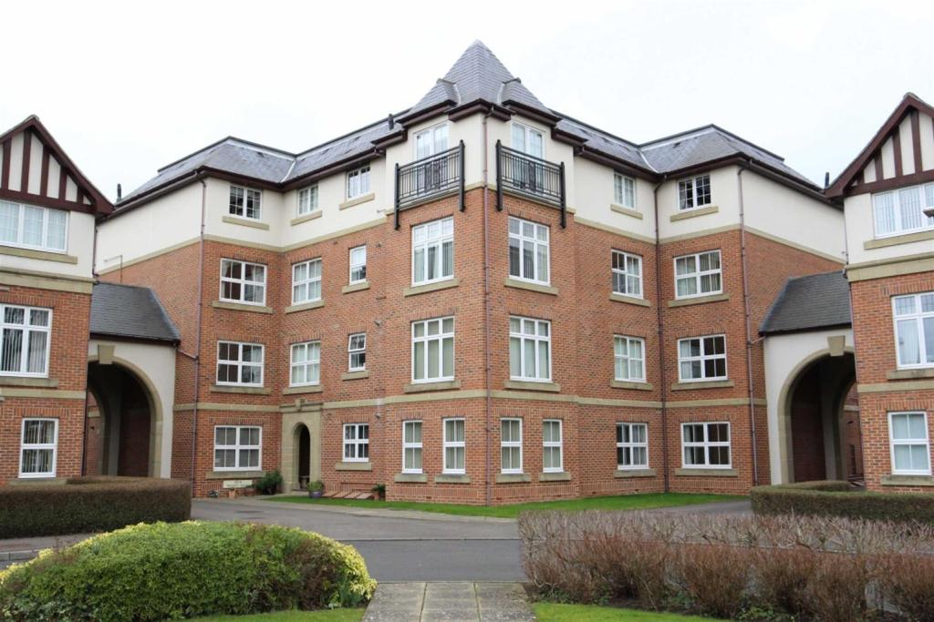 3 Bedrooms Apartment Flat for sale in Trinity Mews, Darlington