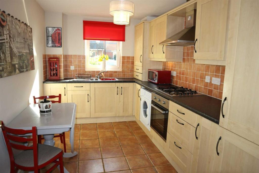 2 Bedrooms Apartment Flat for sale in Sandringham Court, Darlington