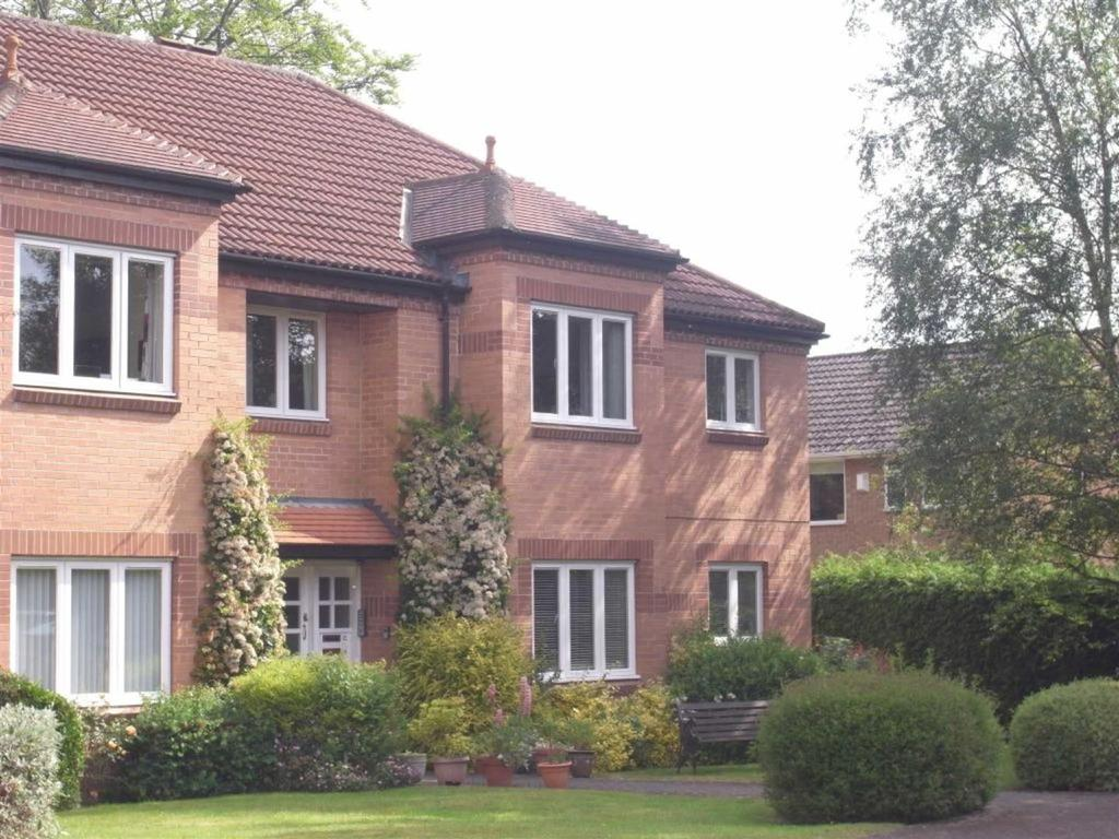 3 Bedrooms Apartment Flat for sale in Chilton Close, Darlington