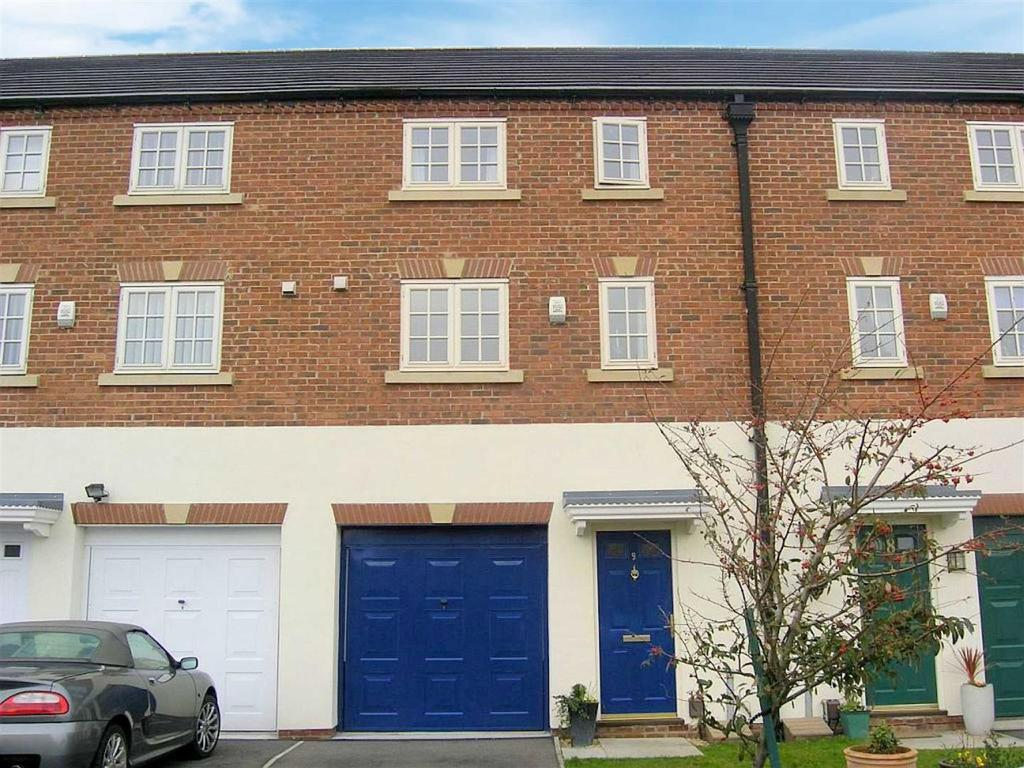 3 Bedrooms Semi Detached House for sale in Bliss Close, Darlington