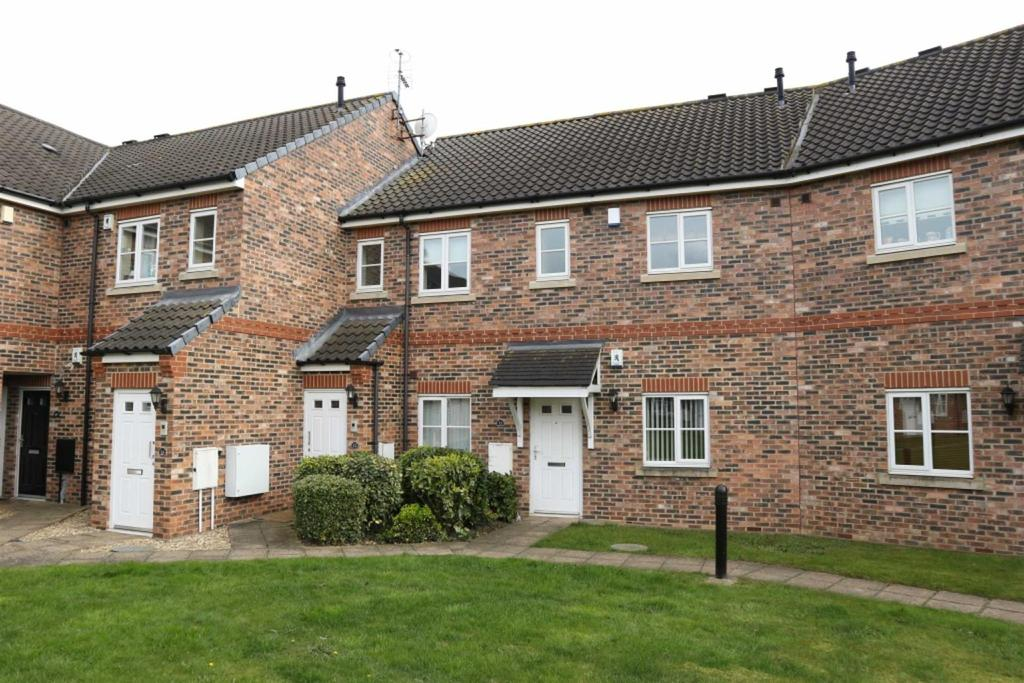 2 Bedrooms Apartment Flat for sale in Swain Court, Middleton St George, Darlington