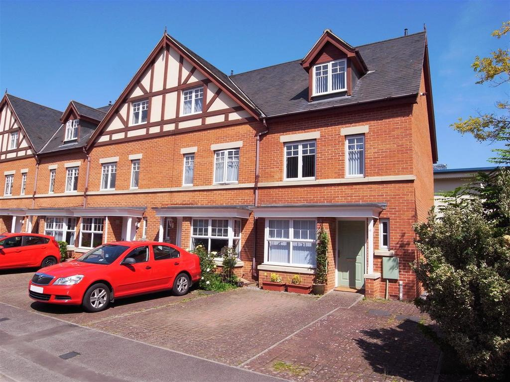 4 Bedrooms Semi Detached House for sale in Scholars Park, Darlington