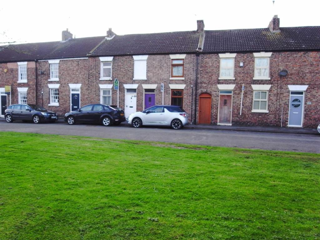 2 Bedrooms Terraced House for sale in Strait Lane, Hurworth, Darlington