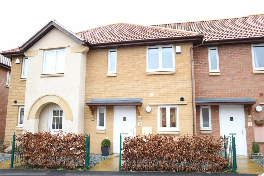2 Bedrooms Terraced House for sale in Raisby Lane, Darlington