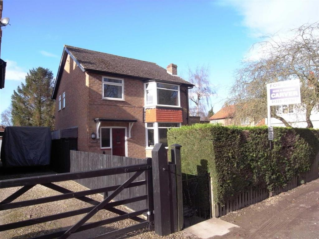 3 Bedrooms Detached House for sale in Monk End, Croft On Tees, Darlington