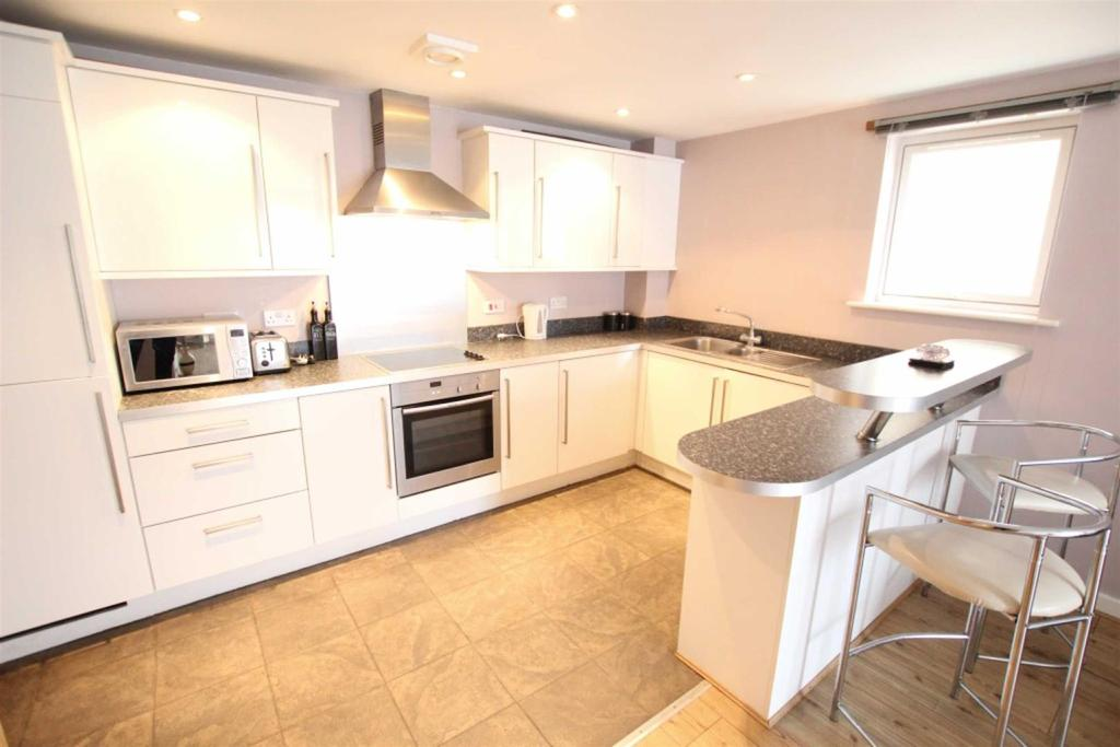 2 Bedrooms Apartment Flat for sale in Glaisdale Court, Darlington