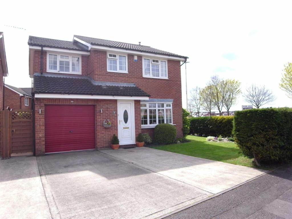 4 Bedrooms Detached House for sale in Girton Walk, Darlington