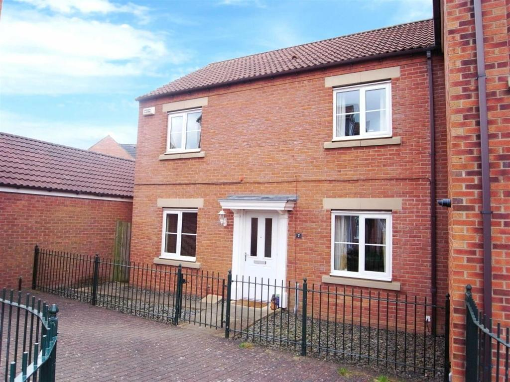 3 Bedrooms Semi Detached House for sale in Swinbridge, Darlington