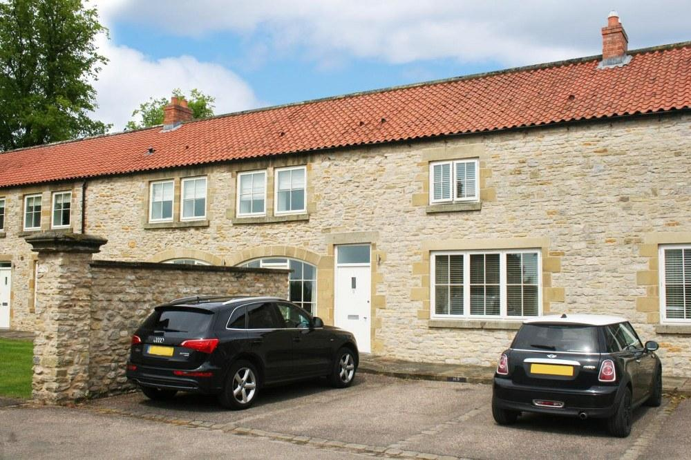 3 Bedrooms Terraced House for sale in 9 Kirkdale Manor, Nawton YO62 7TL
