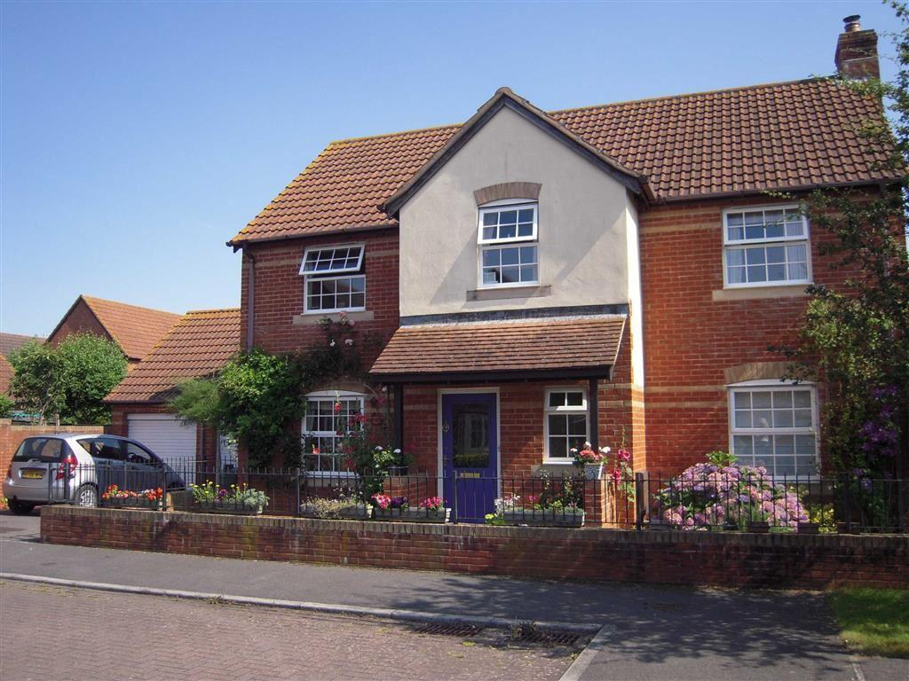 4 Bedrooms Detached House for sale in Saxon Close, Oake, Taunton, Somerset, TA4