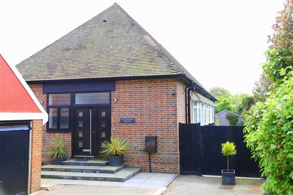4 Bedrooms Detached Bungalow for sale in Pett Level Road, Fairlight, East Sussex