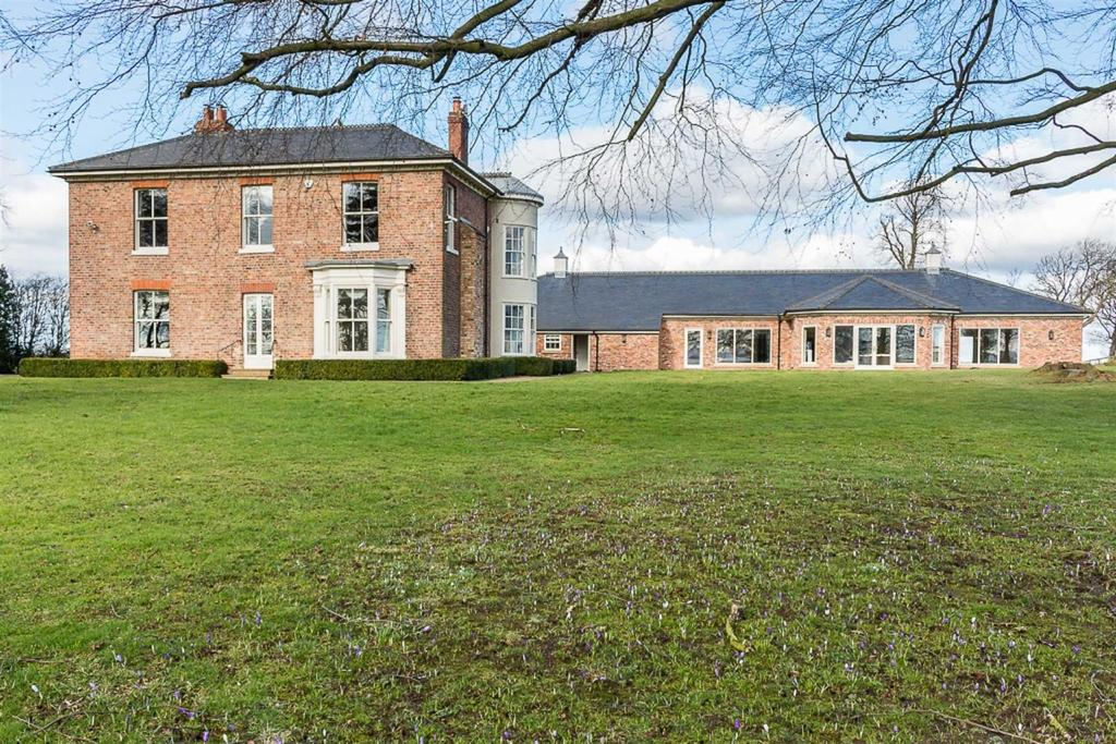 5 Bedrooms Detached House for sale in Darlington Back Lane, Stockton-on-Tees