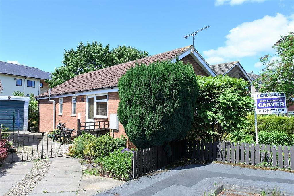 3 Bedrooms Detached Bungalow for sale in Newlands, Northallerton