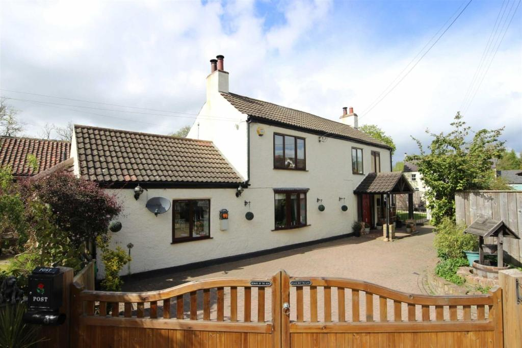 3 Bedrooms Detached House for sale in Great Langton