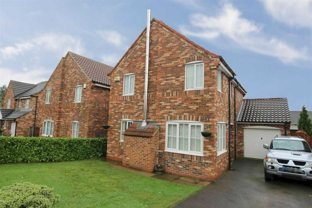 4 Bedrooms Detached House for sale in Anvil Way, North Cowton, Northallerton
