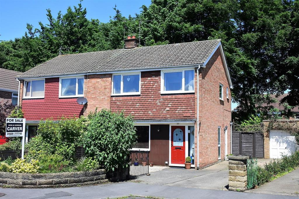 3 Bedrooms Semi Detached House for sale in Studley Close, Northallerton