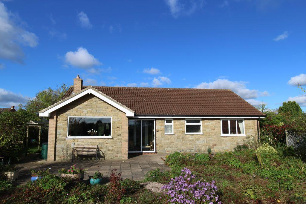 3 Bedrooms Detached Bungalow for sale in East Grange Close, Scruton, Northallerton