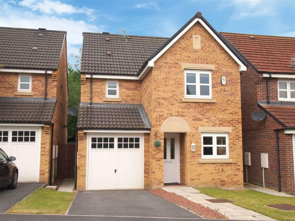 3 Bedrooms Detached House for sale in Annand Way, Newton Aycliffe
