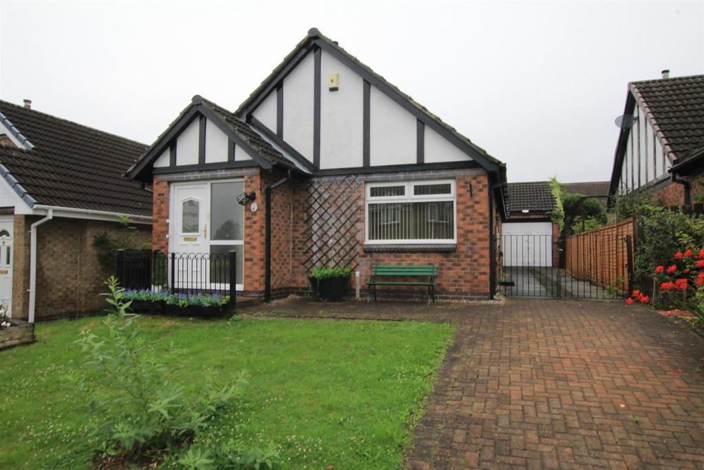 2 Bedrooms Detached Bungalow for sale in Newburn Court, Newton Aycliffe