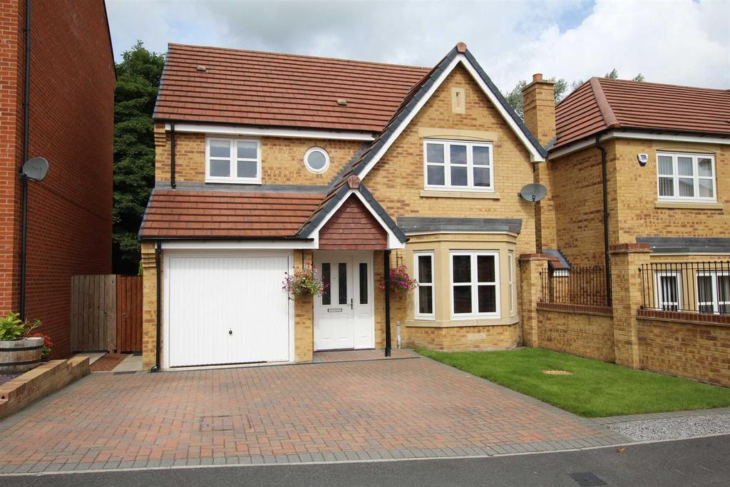 4 Bedrooms Detached House for sale in Youens Crescent, Newton Aycliffe