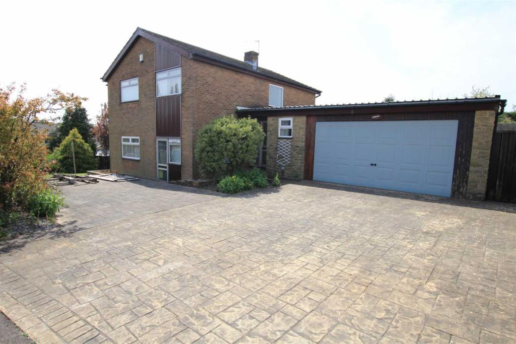 4 Bedrooms Detached House for sale in Aylmer Grove, Newton Aycliffe