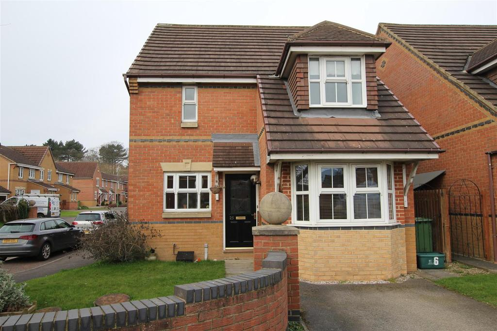 3 Bedrooms Detached House for sale in Lancelot Close, Newton Aycliffe