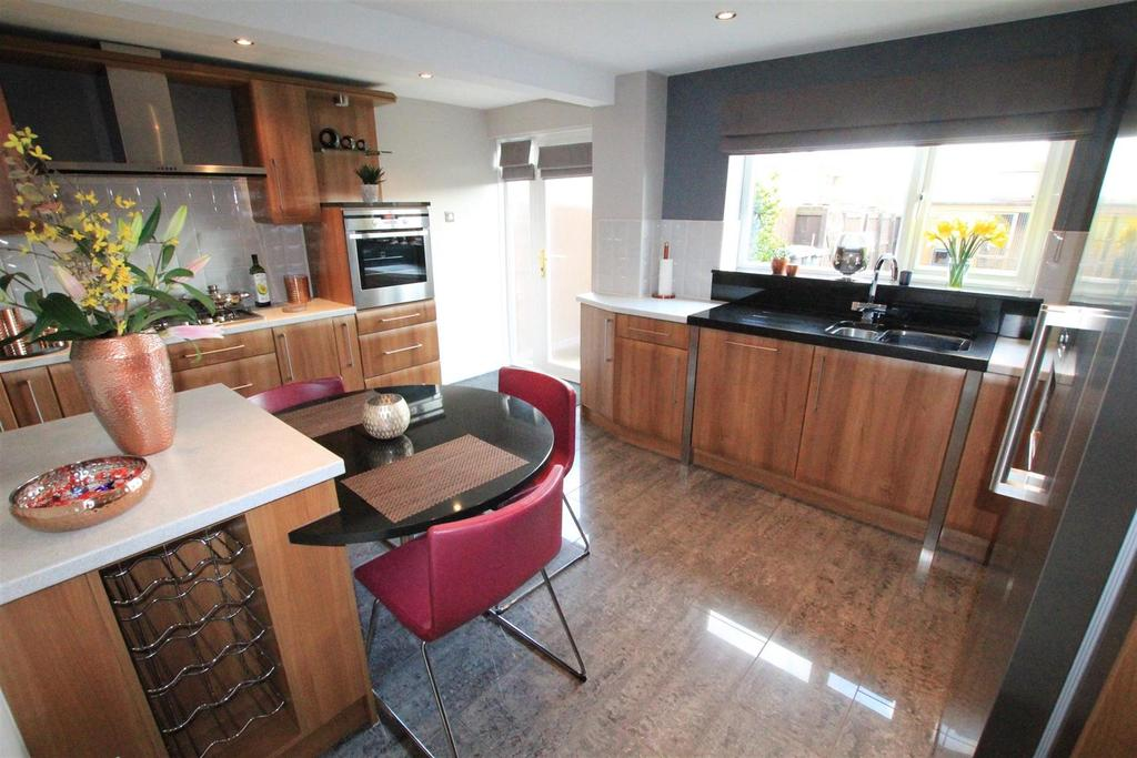 2 Bedrooms Terraced House for sale in Markham Place, Newton Aycliffe