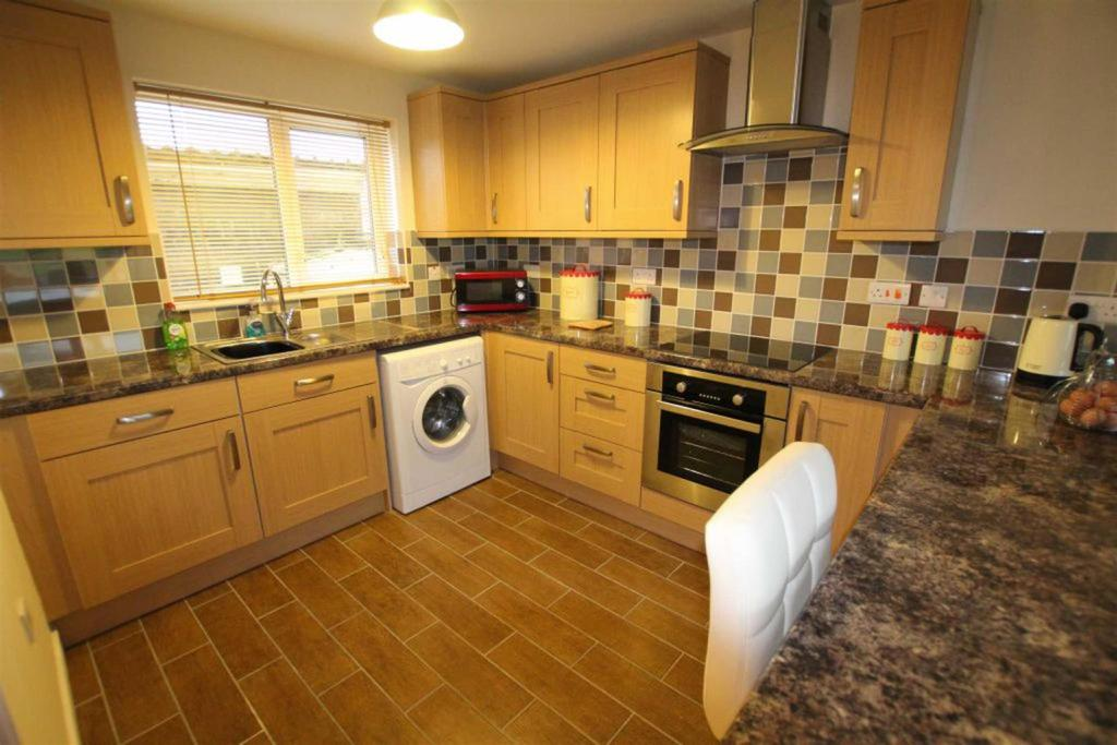 4 Bedrooms Terraced House for sale in Rufus Green North, Newton Aycliffe