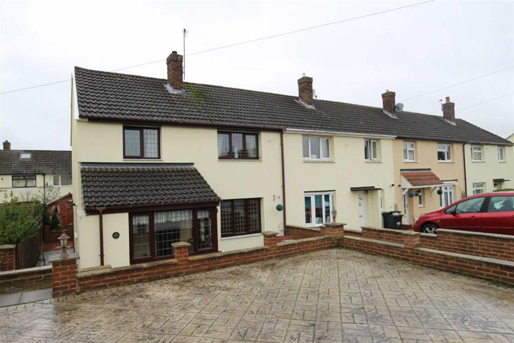 3 Bedrooms Terraced House for sale in Grange Road, Colburn, Catterick Garrison