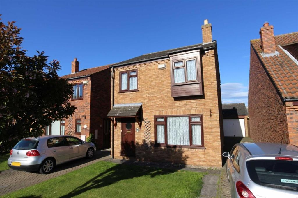 3 Bedrooms Detached House for sale in Pembury Mews, Brompton On Swale, Richmond