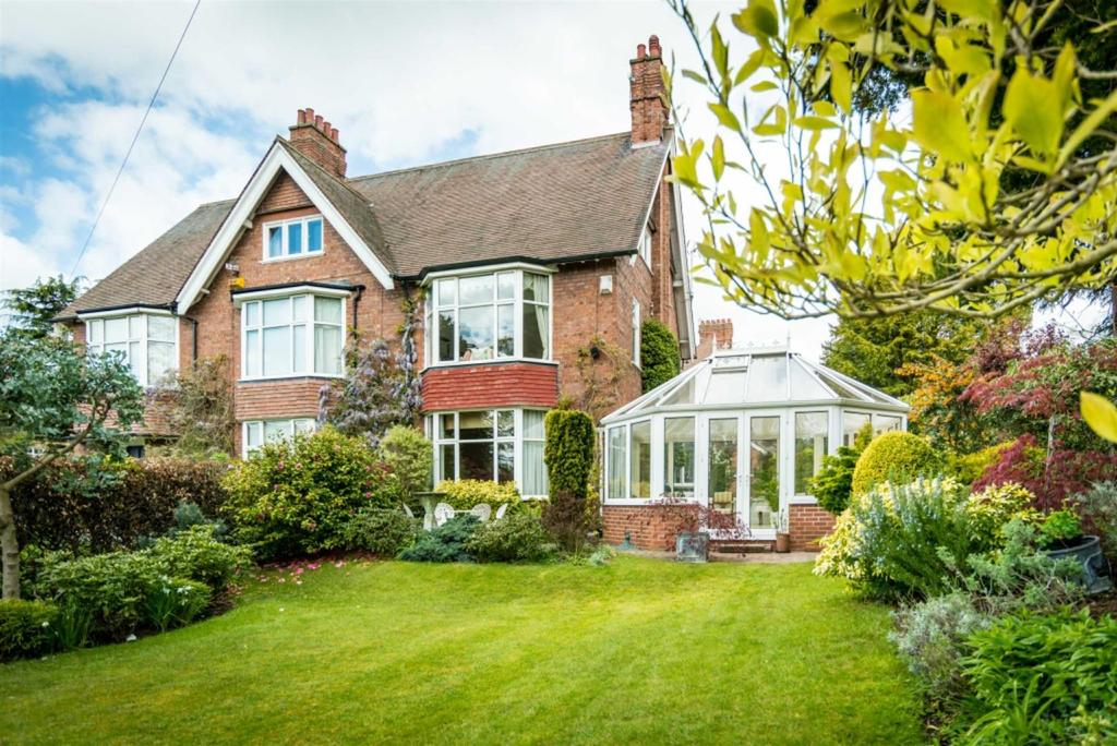 4 Bedrooms Semi Detached House for sale in Ashcroft Road, Darlington