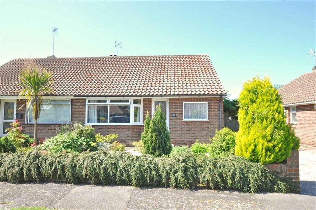 2 Bedrooms Semi Detached Bungalow for sale in Hailsham