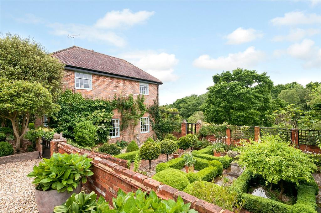 5 Bedrooms Detached House for sale in Tote Hill, Lockerley, Hampshire, SO51