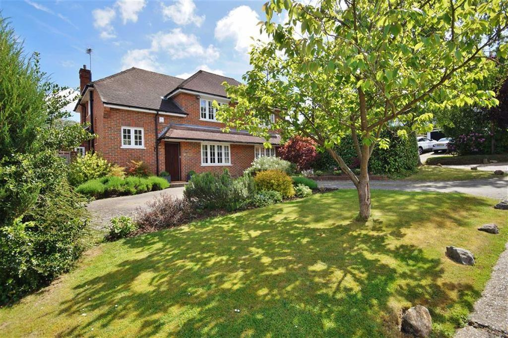 4 Bedrooms Detached House for sale in Ridgeway Close, Oxshott, Surrey, KT22