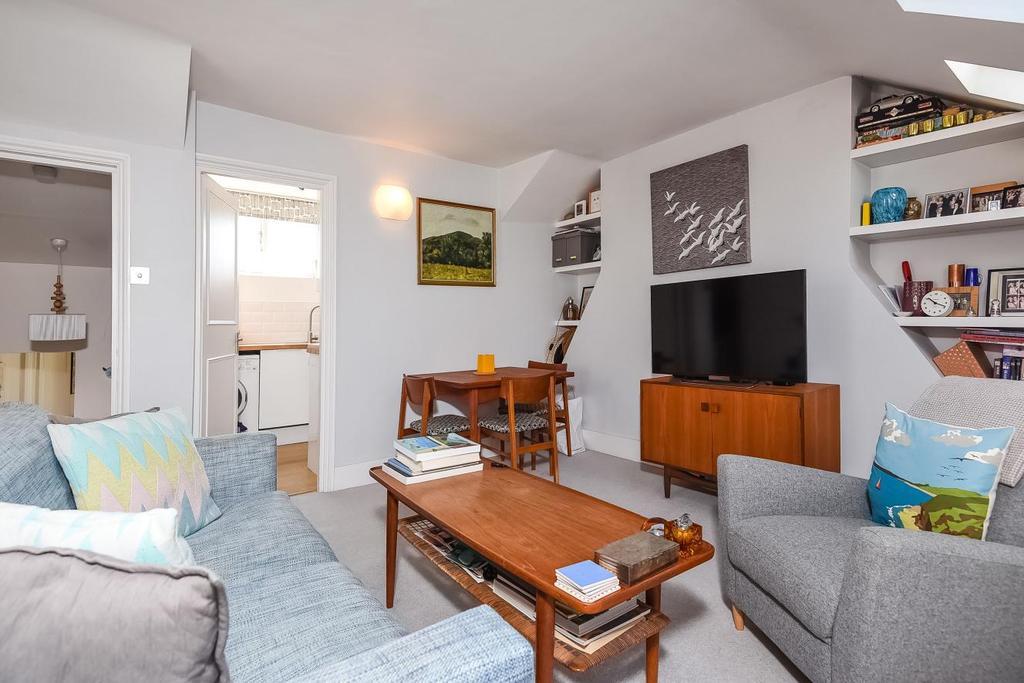 1 Bedroom Flat for sale in Harbut Road, Battersea