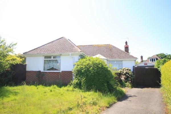 2 Bedrooms Bungalow for sale in Knighton Heath Close, Bournemouth