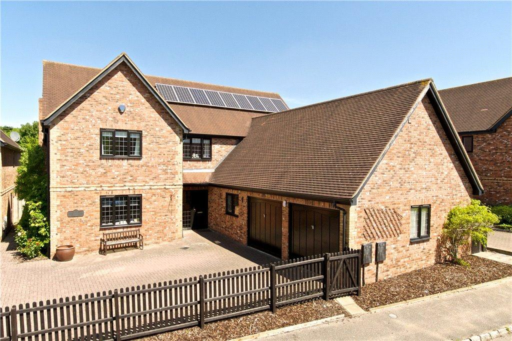 5 Bedrooms Detached House for sale in Bateman Croft, Shenley Church End, Milton Keynes, Buckinghamshire