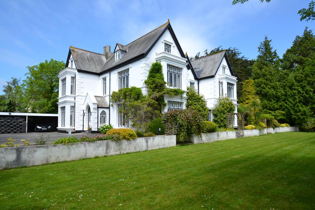 6 Bedrooms Detached House for sale in St. Blazey, Par