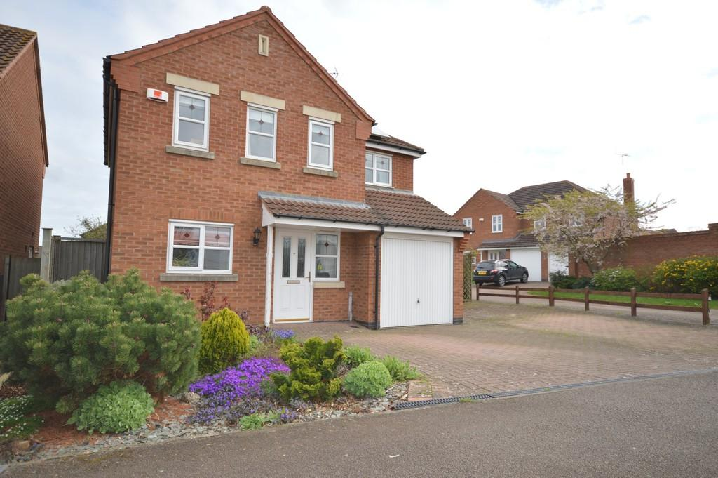 4 Bedrooms Detached House for sale in Lilac Close, Thrapston