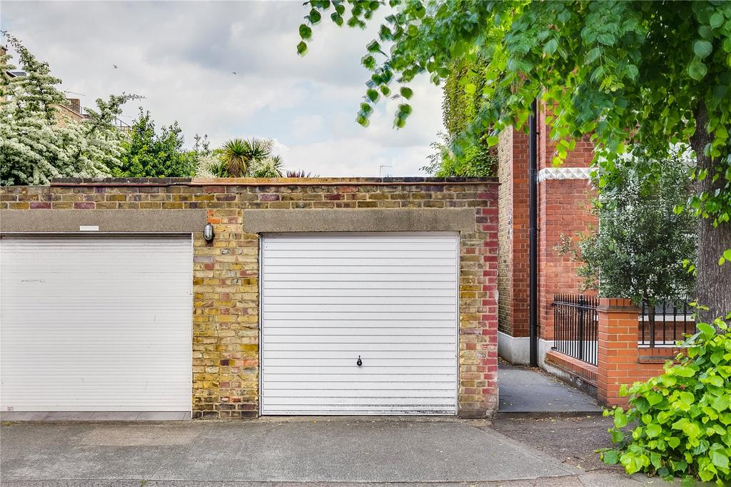 House for sale in Chipstead Street, Parsons Green, London