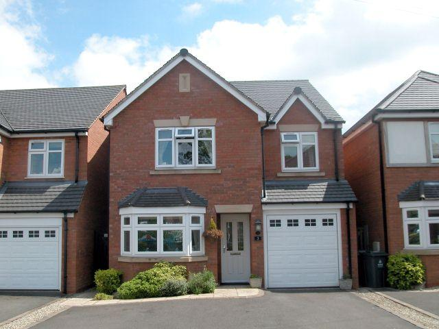 4 Bedrooms Detached House for sale in Fennel Grove,Streetly,Sutton Coldfield