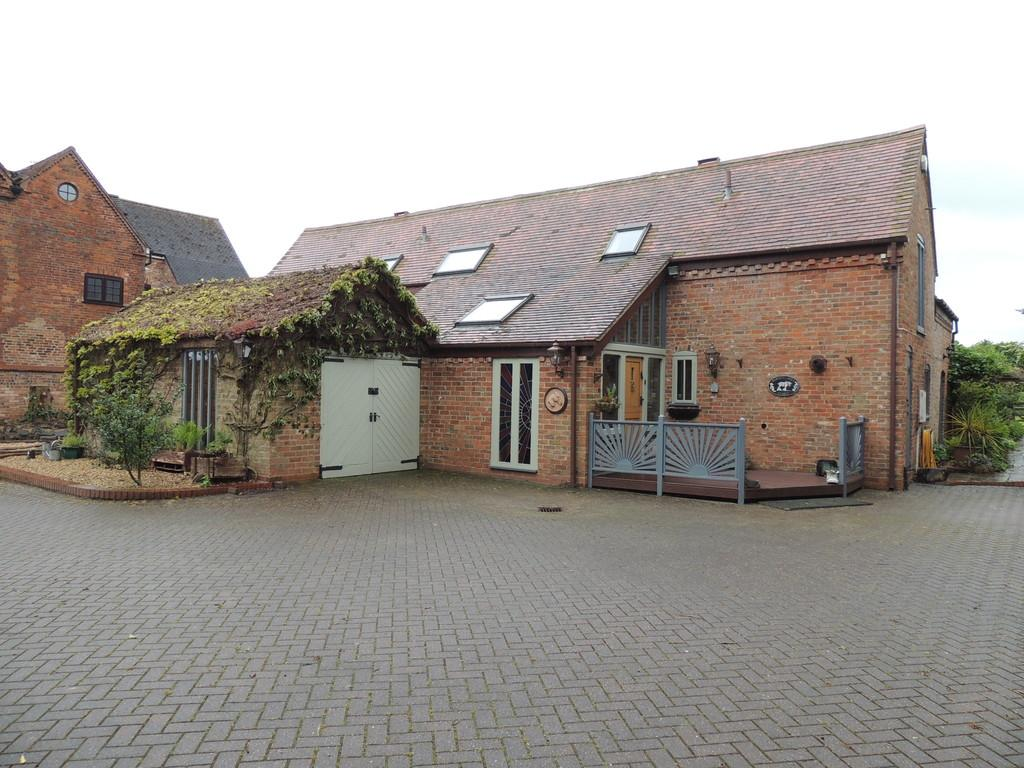 5 Bedrooms Barn Conversion Character Property for sale in Truemans Heath Lane, Shirley
