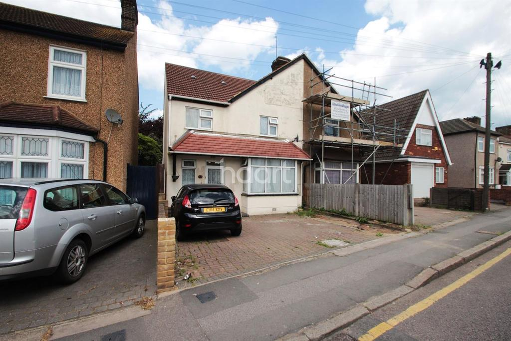 4 Bedrooms Semi Detached House for sale in Wennington Road
